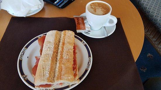 Hotel La Vega: desayuno
