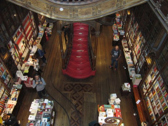 Foto de livraria lello porto tripadvisor for Piso 0 inferior estadio da luz