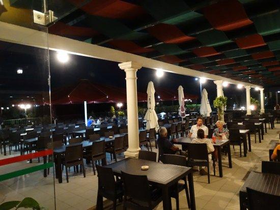 Terras helaas niet voor rodizio foto de verde minho 3 restaurant albufeira tripadvisor - Overdekt terras voor restaurant ...