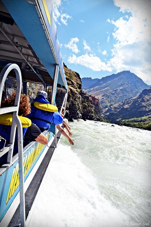 Oxbow, OR: Jet boat through the south entrance of Hells Canyon with Hells Canyon Adventures