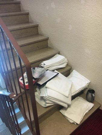 Hotel Esprit d'Azur: Towels on the steps