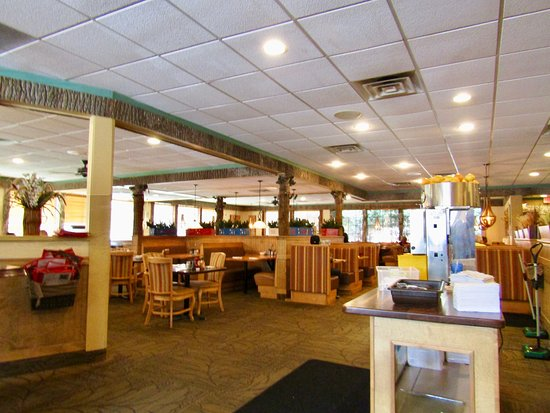 La Crosse Family Restaurant Inside