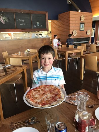 Rothbury, Australien: The final result - first professional pizza!