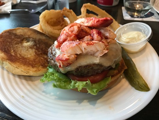 Ossipee, Νιού Χάμσαϊρ: Had the Lobsta Burga!  It tasted as good as it looks!