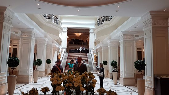 Corinthia Budapest: Reception