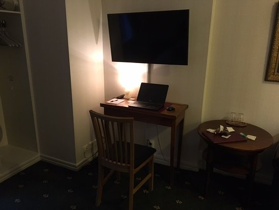 Hotel Gute: Arbeidsplassen på rommet