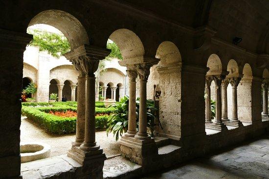 Saint-Paul de Mausole : Claustro del Monasterio de St. Paul de Mausole