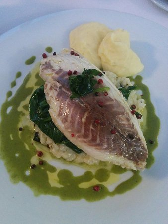Au Petit Paris: Sea bream fillet risotto