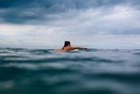 Puerto Sandino, Nicaragua: remando hacia el bote