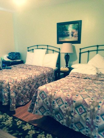 Gavin's Irish Country Inn: Family Suite Bedroom