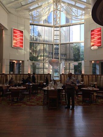 Toronto Marriott Downtown Eaton Centre Hotel: photo0.jpg