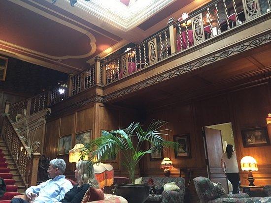 Lands of Loyal Hotel: photo0.jpg