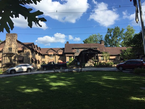 Cumberland Falls State Resort - Dupont Lodge: A very nice stay at The DuPont Lodge