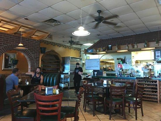 Woodstock, Вирджиния: Paisano's dining room