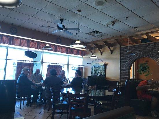 Woodstock, Вирджиния: Paisano's dining room view 2