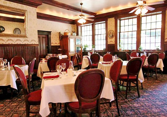 Jamestown, CA: Our back dining room is perfect for events!