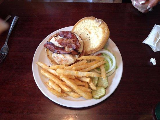 Las Vegas, NM: Chicken bacon sandwich
