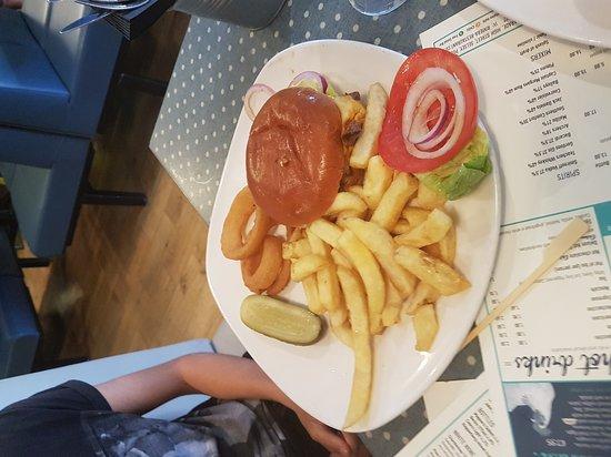 Selsey, UK: Huge portions. Nice food.