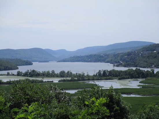 Garrison, Nowy Jork: View of the Hudson River from the back of the house