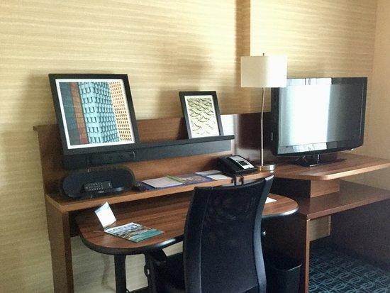 DuBois, Pensylwania: Desk area in suite