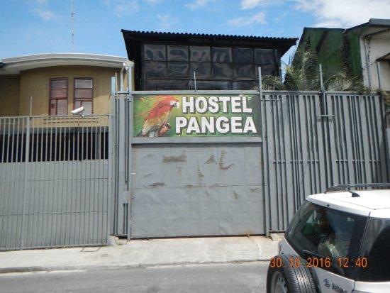 Hostel Pangea : Entrada al Hostel.