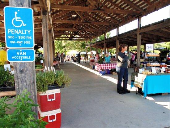 Scottsville, Wirginia: Farmers Market