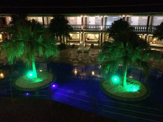 Perola Buzios Hotel: Foto da piscina do Hotel vista do segundo andar