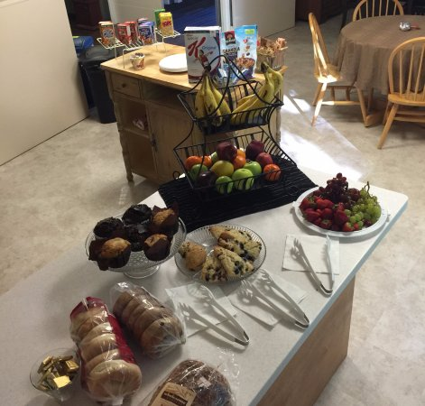 Ellsworth, ME: Pictured is our off-season continental breakfast, we also provide hot options during our busy se