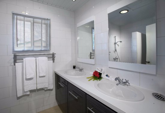 Paradera, Aruba: Two Bedroom Suite Bathroom