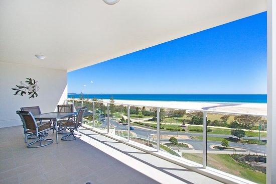 kirra surf apartments prices condominium reviews. Black Bedroom Furniture Sets. Home Design Ideas