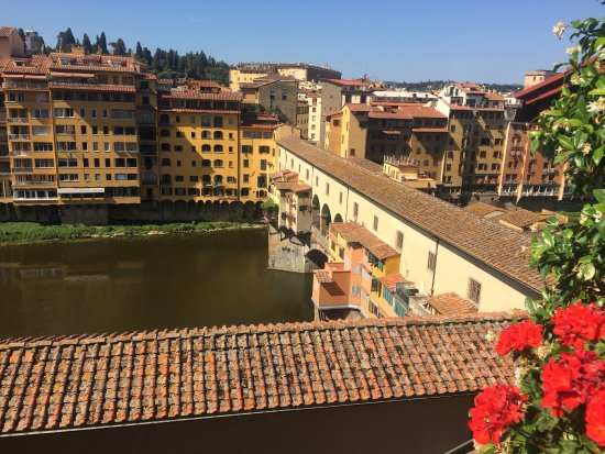 Hotel Hermitage: View of the Ponte Vecchio and the Arno river from the rooftop terrace.