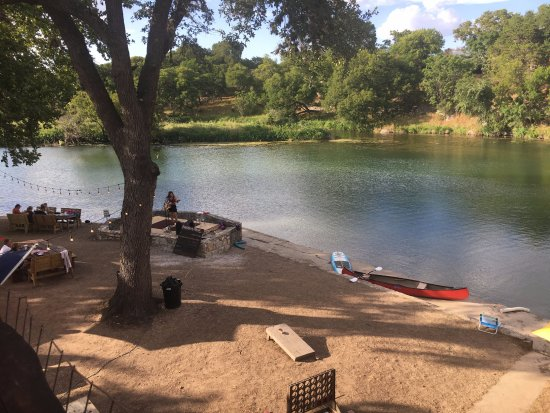 Wimberley, TX: Beautiful view of Cypress Creek and outdoor entertainment