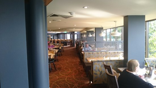 North Ryde, Australia: Atrium Brasserie Tables