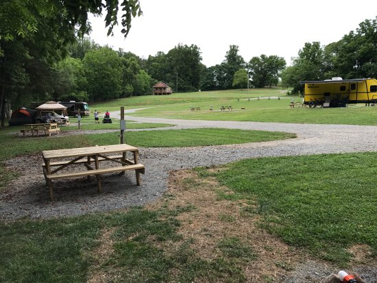 Elkin, Caroline du Nord : Peaceful Campground