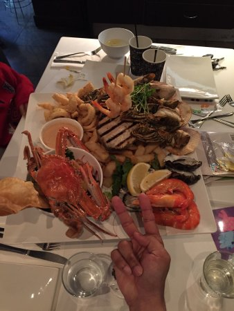 Yellowfin Seafood Restaurant: Seafood platter for 2 (with additions)