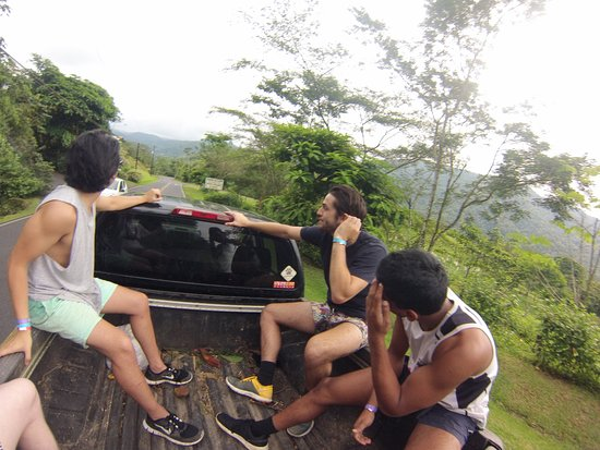 Arenal Backpackers Resort: Transportation to and from Zipling and Canyoning