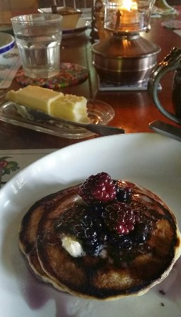 Williams Pond Lodge: David's famous pancakes were as beauriful as they were delicious!