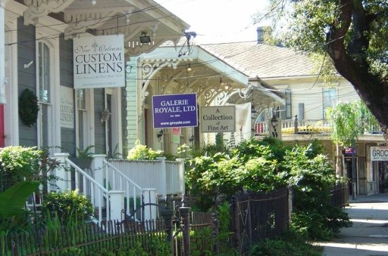 Garden District and Cemetery Private...
