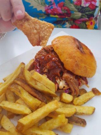 Levin, New Zealand: Pork Burger