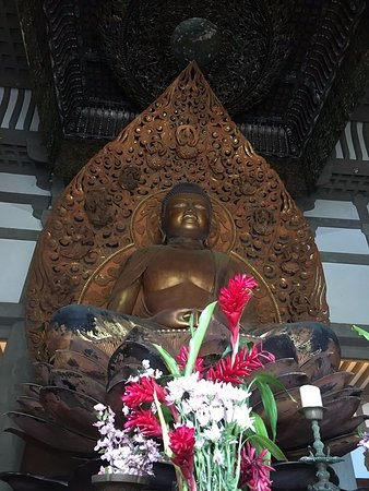 Kaneohe, HI: Buddha inside the temple