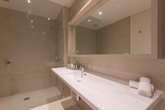 Flinders, Australia: Our Walk In Showers in all rooms