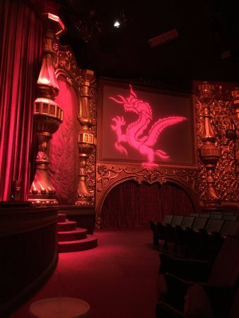 Branson, MO: Yakov Theater