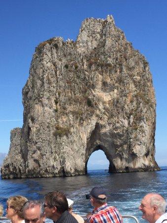 Raphael Tours Capri