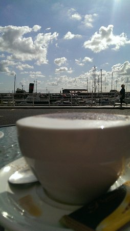 Ramsgate, UK: Sit and watch the world go by