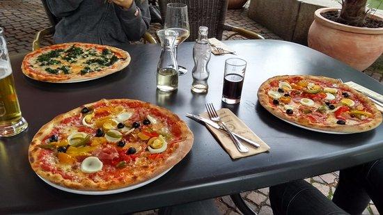Todtnau, ألمانيا: Pizza Siciliana!