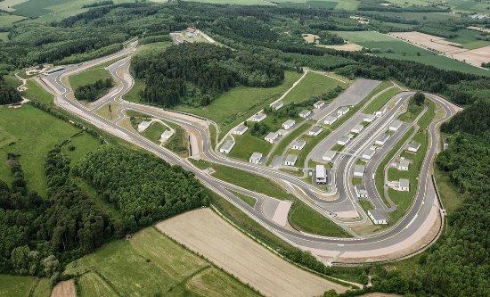 Bad Driburg, Tyskland: Bilster Berg Driving Business - 4,2 km Rennstrecke - geschaffen für außergewöhnliche Fahrerlebni
