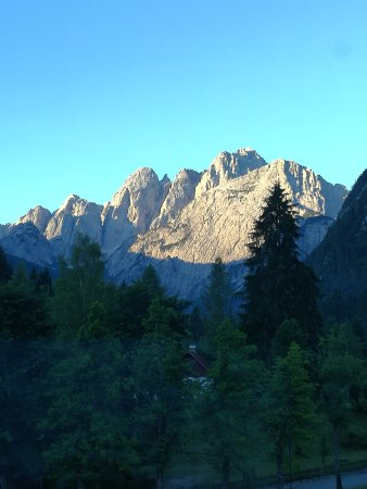Valbruna, Itália: panorama di fronte hotel