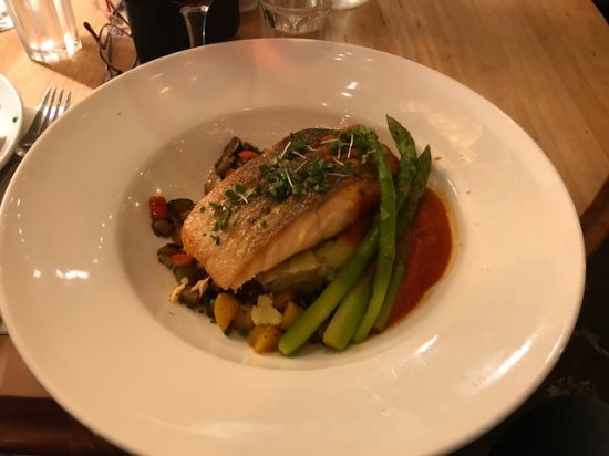 Wirksworth, UK: Pan cooked salmon served on crushed young potatoes with asparagus.