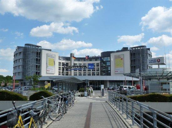Aussenansicht Bild Von Radisson Blu Hotel Hamburg Airport Hamburg