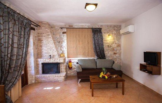 Anigraia: Deluxe Apartment Mountain View